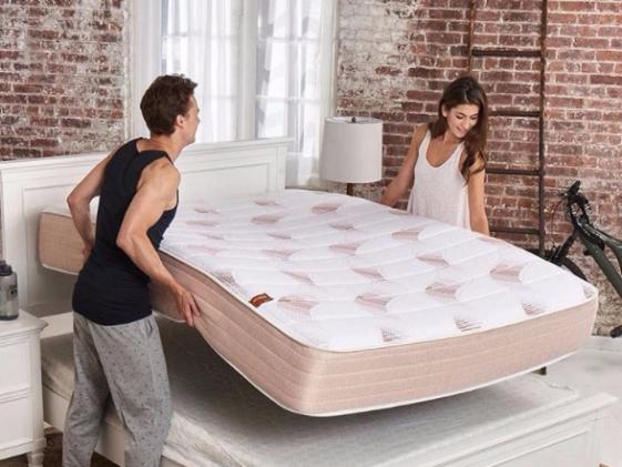 5 مزایای سلامتی در خوابیدن روی تشک جدید